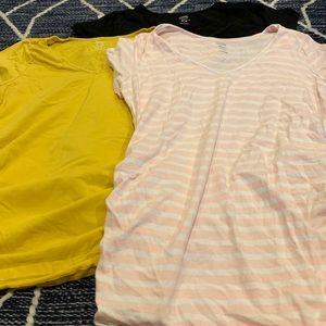 3 old navy maternity v neck short sleeve size M